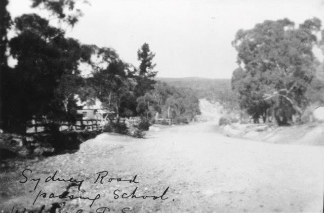 Sydney Road passing Walang Public School